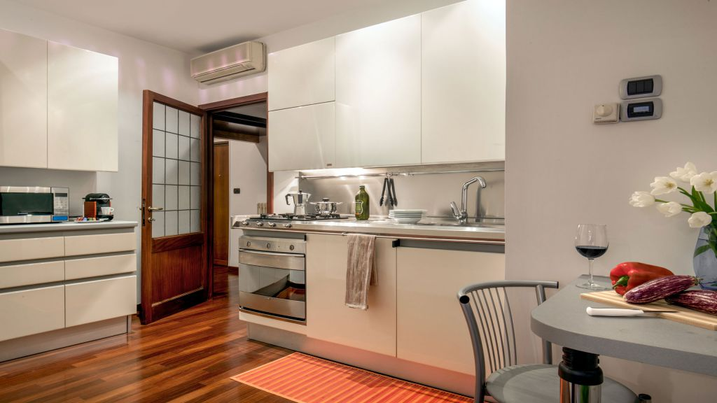 myapartsuite-rome-luxury-babuino-apartment-kitchen