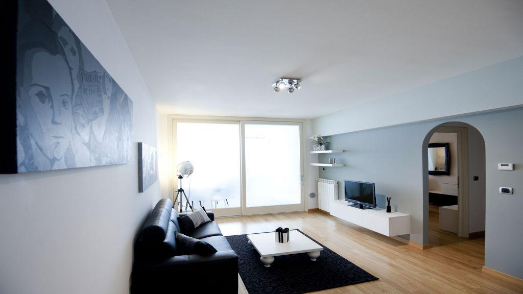 myapartsuite-rome-trastevere-black-white2-apartment-living-room