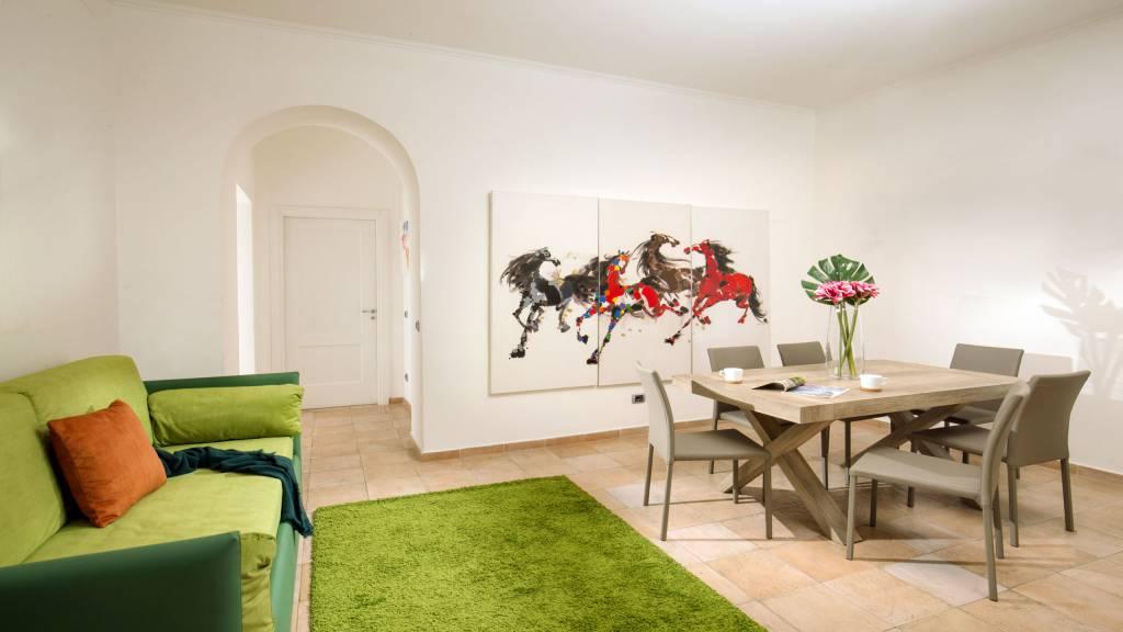 myapartsuite-rome-colosseum-ettore-apartment-living-room-2