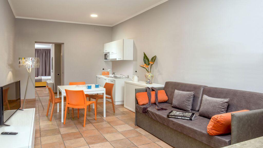 myapartsuite-rome-colosseum-virna-apartment-kitchen