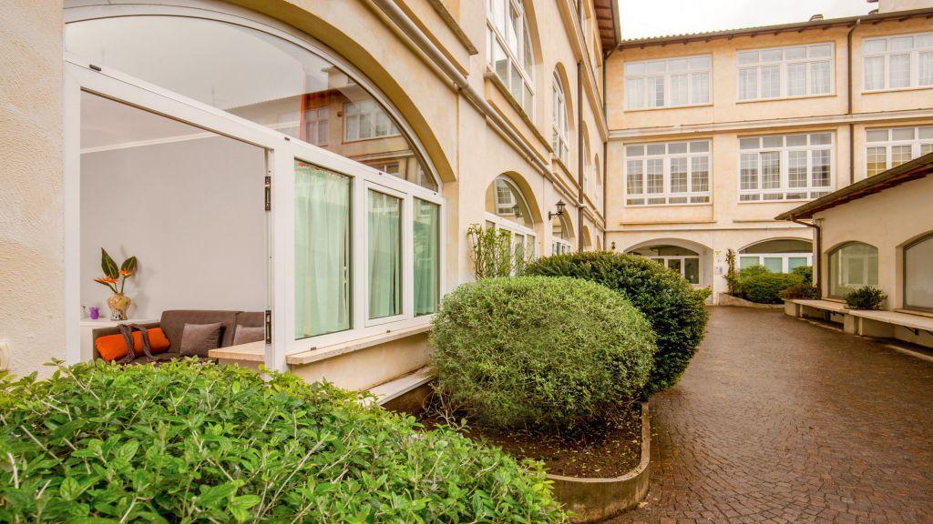 myapartsuite-rome-colosseum-virna-apartment-outside