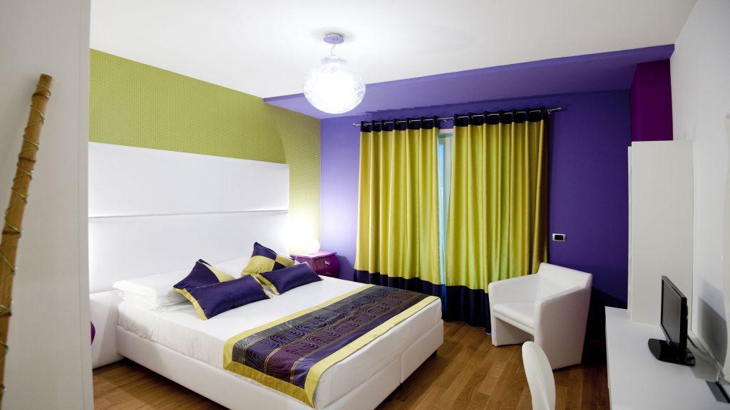 myapartsuite-rome-trastevere-pop-colors-apartment-room