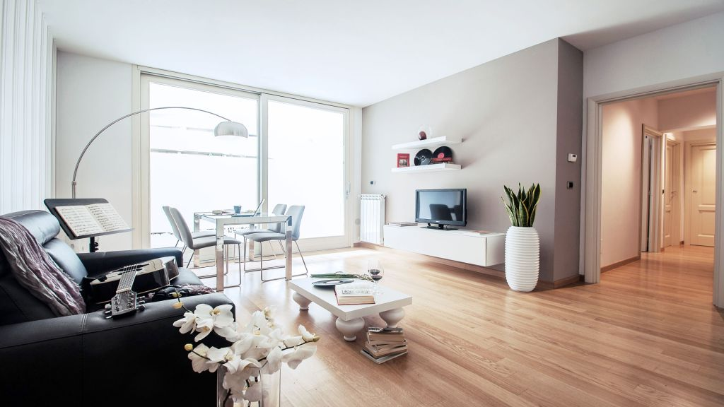 myapartsuite-rome-trastevere-purple-apartment-living-room