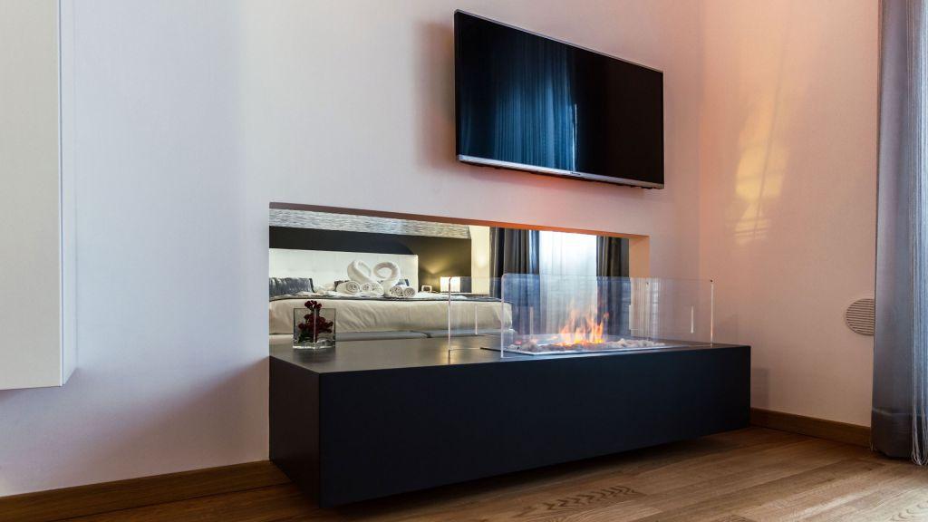 myapartsuite-rome-trastevere-silver-apartment-biofireplace