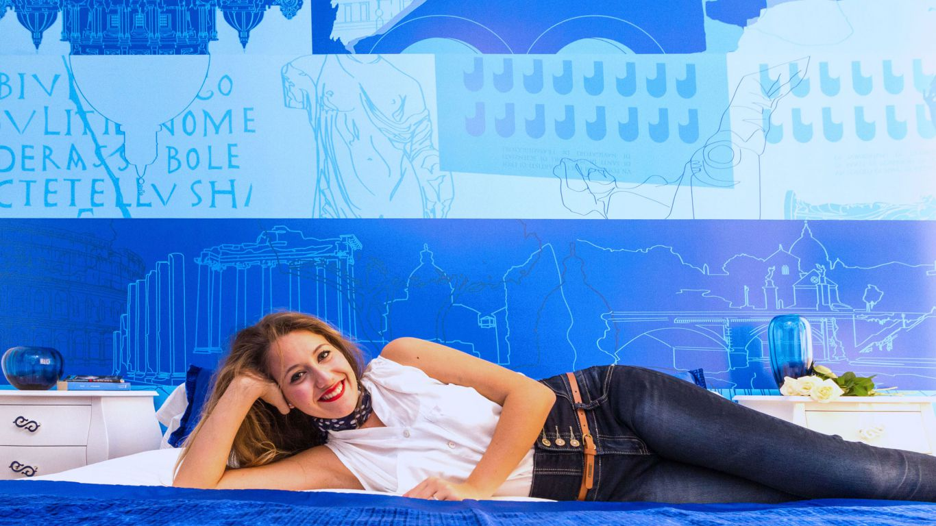 myapartsuite-rome-trastevere-blue-apartment-room