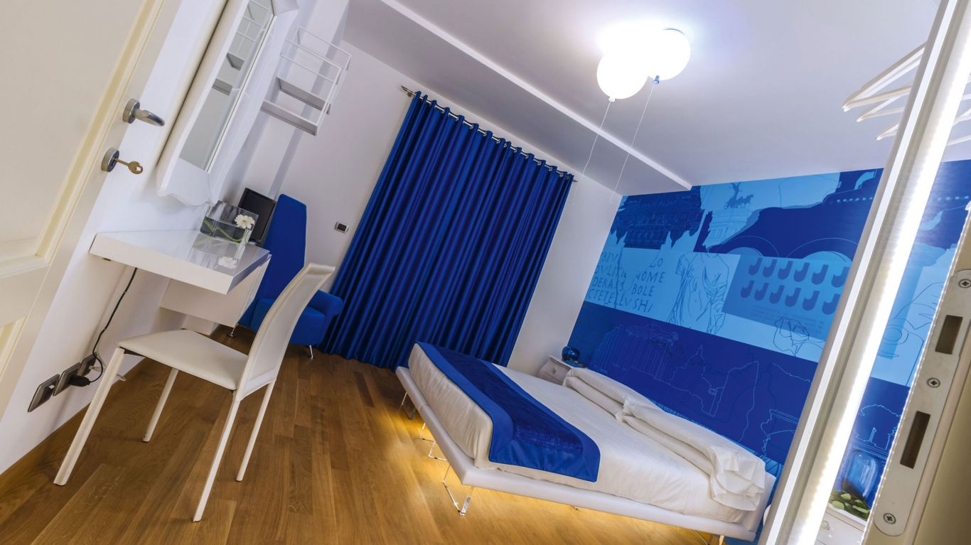 myapartsuite-rome-trastevere-blue-apartment-room-2