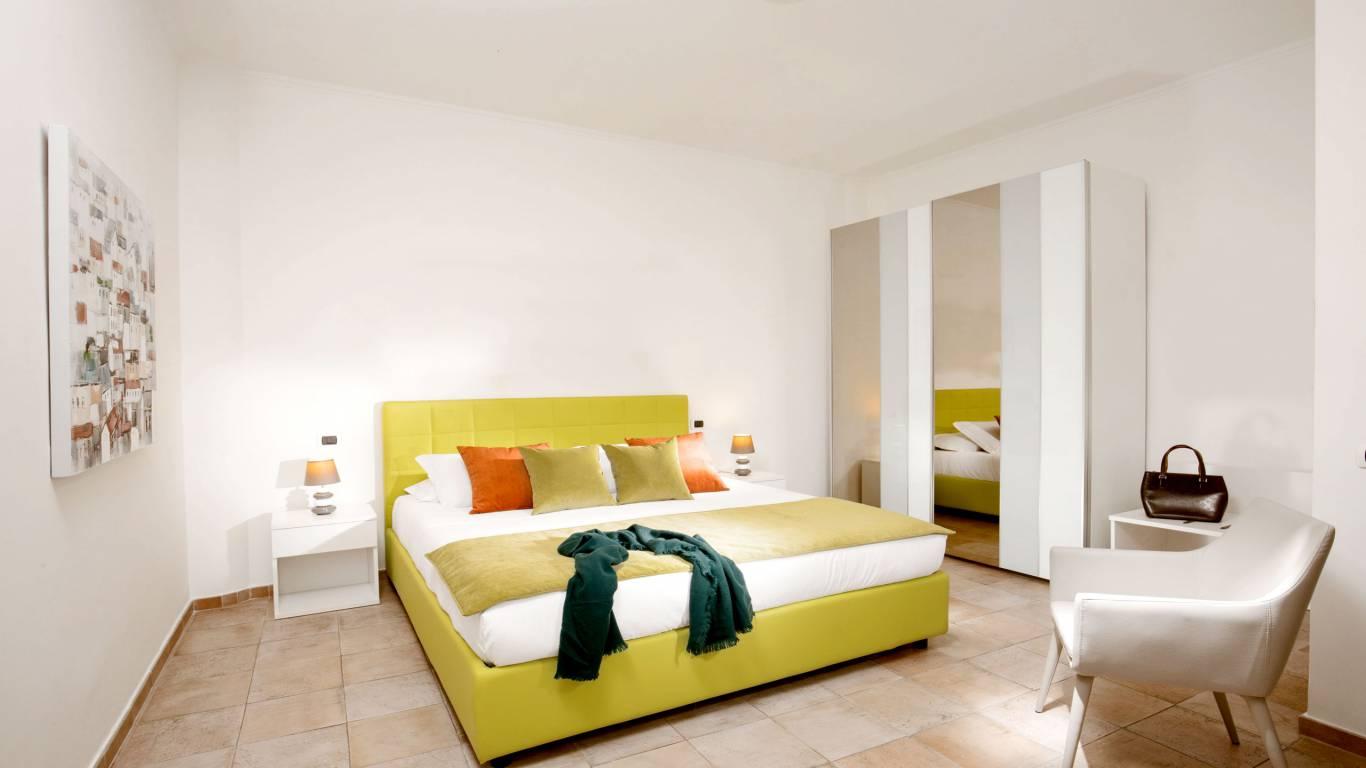 myapartsuite-rome-colosseum-ettore-apartment-room-3