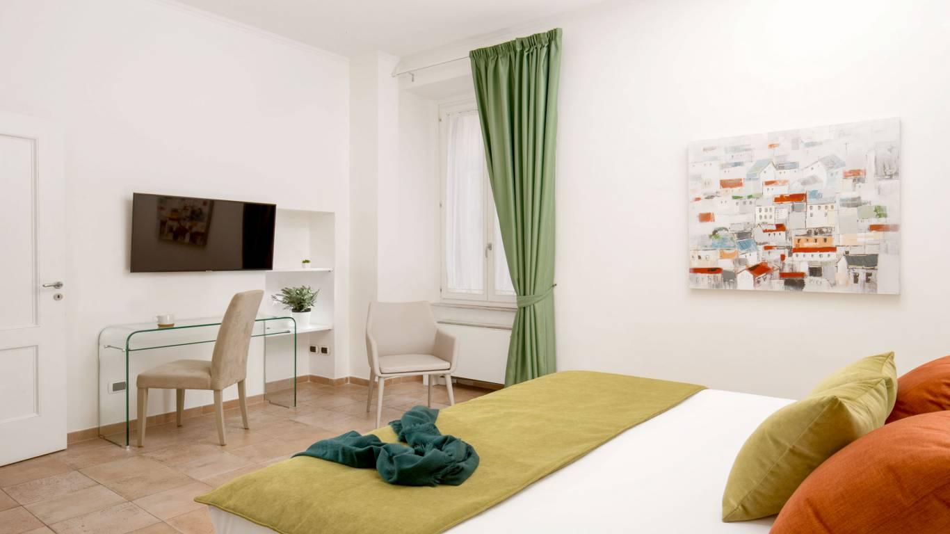 myapartsuite-rome-colosseum-ettore-apartment-room-2