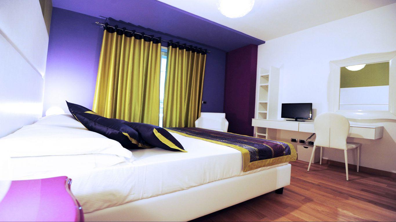 myapartsuite-rome-trastevere-pop-colors-apartment-room-2