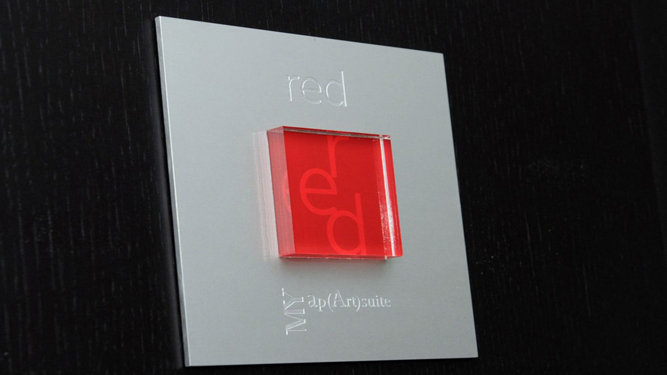 myapartsuite-rome-trastevere-red-apartment-plaque
