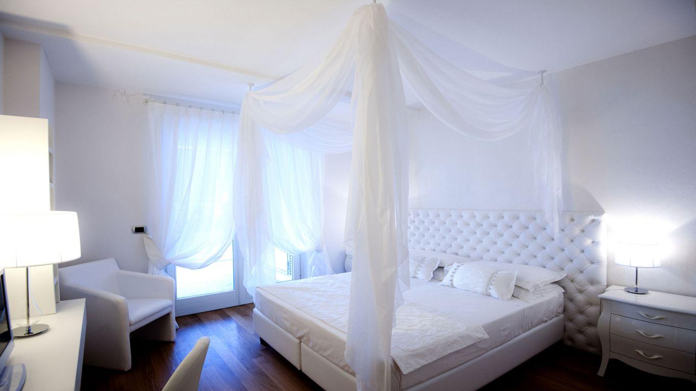 myapartsuite-rome-trastevere-white-apartment-room
