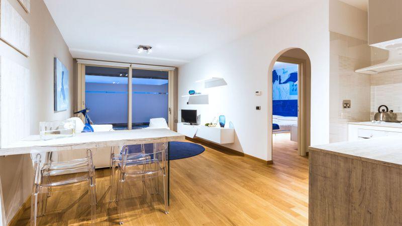 myapartsuite-rome-trastevere-blue-apartment-living-room-2