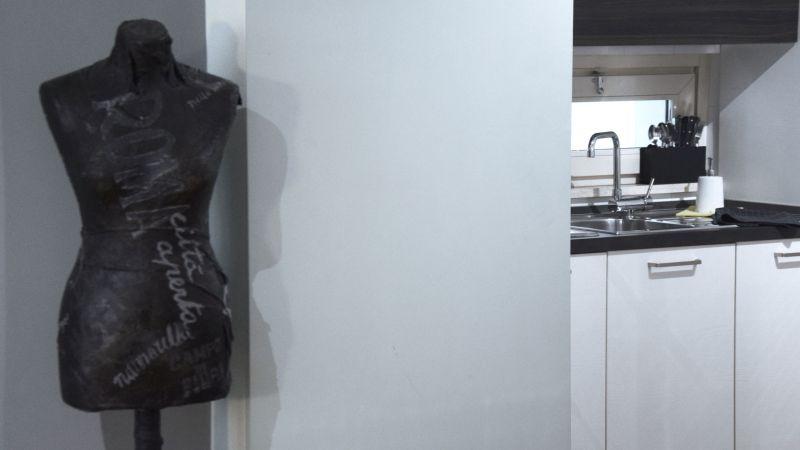 myapartsuite-rome-trastevere-black-white2-apartment-kitchen
