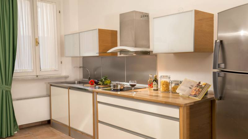 myapartsuite-rome-colosseum-ettore-apartment-kitchen