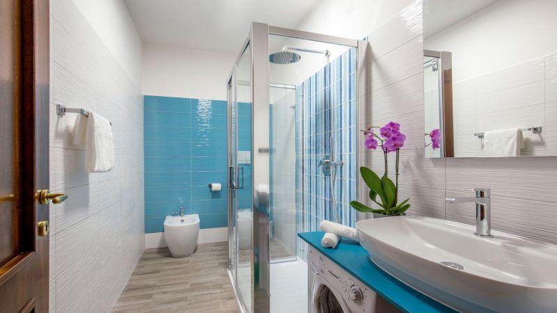 myapartsuite-rome-colosseum-alberto-apartment-bathroom