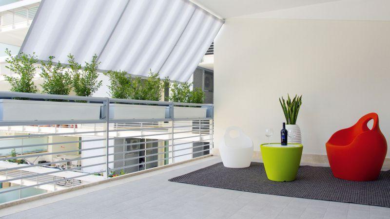 myapartsuite-rome-trastevere-pop-colors-apartment-terrace-3