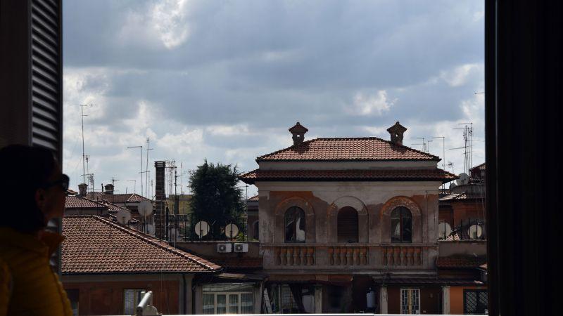myapartsuite-rome-trastevere-pop-colors-apartment-terrace-4
