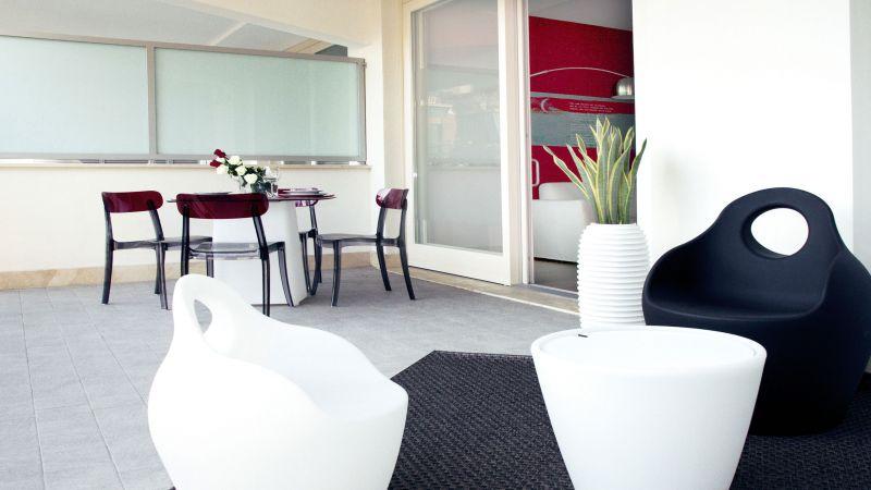myapartsuite-rome-trastevere-red-apartment-terrace-2