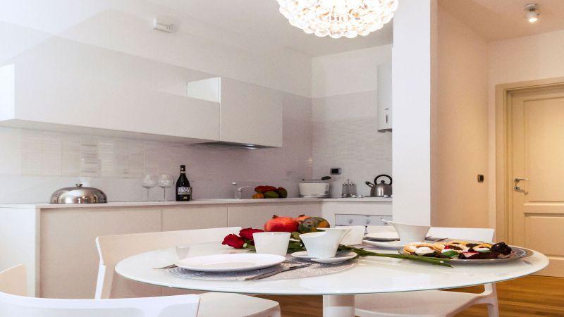 myapartsuite-rome-trastevere-silver-apartment-kitchen